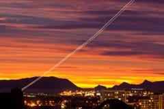 Lighttrail Nouvelle Zélande d'avion de ligne d'aéroport d'Auckland Photos libres de droits