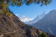 Traînée de trekking au camp de base d'Everest, région d'Everest, Népal image stock