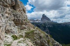 traînée fonctionnant dans les montagnes Image stock