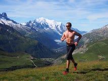 Traînée fonctionnant en Chamonix France Image stock