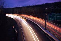 Traînées de lumière dans la PA photos stock