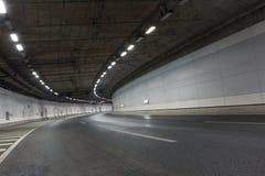 Traînées de lumière dans le tunnel Photo stock