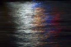 Traînées légères dans la surface de mer photo libre de droits