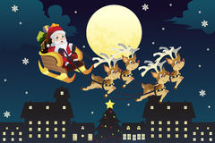 Traîneau d'équitation de Santa avec des rennes Image libre de droits