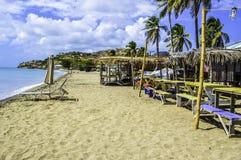 Traînez à la plage Images stock