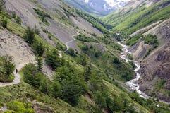 Traînez au parc national de Torres del Paine, Patagonia chilien, Chili photos libres de droits