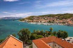 Traù, Croazia, vista panoramica della città, destinati turistico croato Fotografia Stock