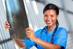 Trabajador africano de la atención sanitaria fotografía de archivo