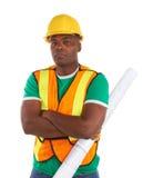 Trabajador de construcción afroamericano serio fotos de archivo