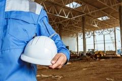 Trabajador de construcción Casco blanco Imágenes de archivo libres de regalías