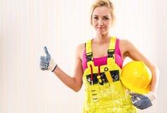 Trabajador de construcción de sexo femenino Imágenes de archivo libres de regalías