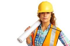 Trabajador de construcción de sexo femenino serio foto de archivo