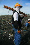 Trabajador de Dumpsite Foto de archivo libre de regalías
