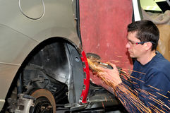 Trabajador de la carrocería. Imagen de archivo libre de regalías