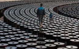 Trabajador de la industria de petróleo Imágenes de archivo libres de regalías