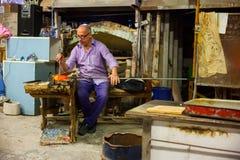 Trabajador del horno de Murano Imágenes de archivo libres de regalías