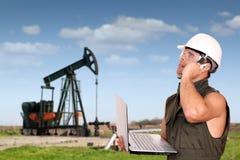 Trabajador del petróleo Imagen de archivo libre de regalías