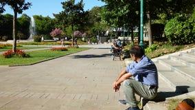 Trabajador en el parque Imagen de archivo libre de regalías