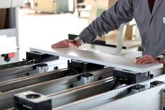 Trabajador industrial de los muebles imágenes de archivo libres de regalías