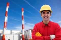 Trabajador industrial en central eléctrica Fotografía de archivo libre de regalías