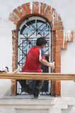Trabajador-restaurador Foto de archivo