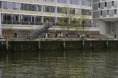 Trabajadores con las botas amarillas Fotografía de archivo