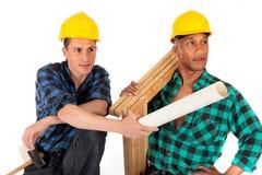 Trabajadores de construcción atractivos Fotografía de archivo libre de regalías