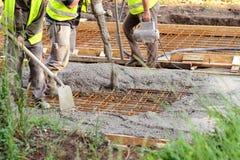 Trabajadores de construcción de carreteras Imagenes de archivo