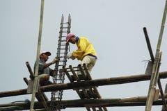 Trabajadores de construcción en Indonesia Fotos de archivo libres de regalías
