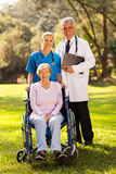 Trabajadores de la atención sanitaria mayores foto de archivo libre de regalías