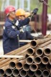 Trabajadores de una plataforma de perforación Imagen de archivo