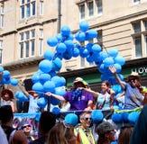 Trabajadores del Servicio Nacional de Salud en Brighton Pride imágenes de archivo libres de regalías