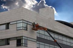 Trabajadores en la torre de perforación Imagen de archivo