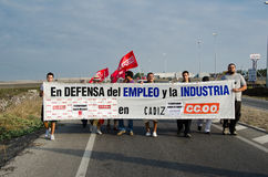 Trabajadores no identificados en la demostración Fotos de archivo