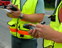 Trabajadores que registran datos Imagen de archivo libre de regalías