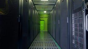 Trabajo de los servidores de datos Nube que computa, concepto del almacenamiento de datos almacen de metraje de vídeo