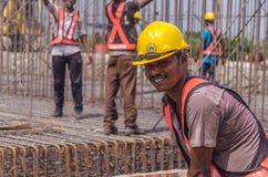 Trabajo de los trabajadores de construcción Imagenes de archivo