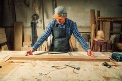 Trabajo del carpintero fotografía de archivo libre de regalías
