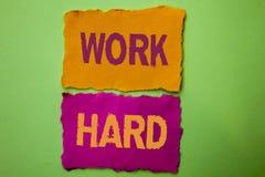 Trabajo del texto de la escritura difícilmente Acción del logro de la motivación de la ambición de esfuerzo del éxito de la lucha Foto de archivo