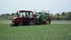 Trabajo del tractor de granja