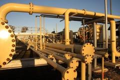 Trabajo del tubo en sector de energía Foto de archivo libre de regalías