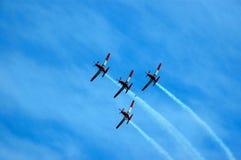 Trabajo en equipo de los aviones fotografía de archivo libre de regalías