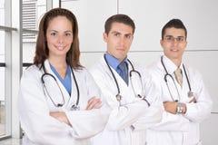 Trabajo en equipo médico cómodo Imágenes de archivo libres de regalías