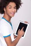 Trabajo en la tableta digital. Imagen de archivo libre de regalías