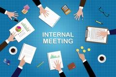 Trabajo interno del concepto de la reunión en escritorio con el documento del gráfico Imagenes de archivo