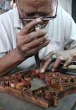Trabajo para el sello del batik del tradisional Imágenes de archivo libres de regalías