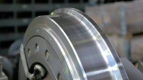 Trabajos de carro Tranvía de Wheelset Rueda de torneado en un torno almacen de video