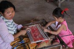 Trabajos infantiles en Camboya Imagen de archivo libre de regalías