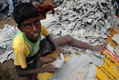 TRABAJOS INFANTILES EN LA INDIA Imagen de archivo
