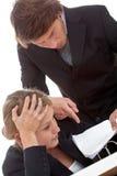 Trabalhador cansado e chefe com problema novo Imagens de Stock Royalty Free
